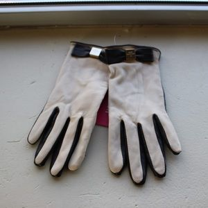 Kate Spade dual tone leather tech gloves
